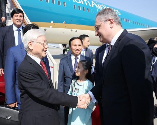 越共中央总书记阮富仲抵达首都莫斯科 开始对俄罗斯进行正式访问 hinh anh 1
