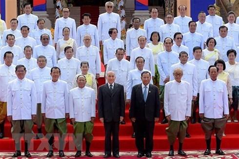 越南领导致电祝贺柬埔寨第六届国会通过新一届国会议员和内阁成员名单 hinh anh 1