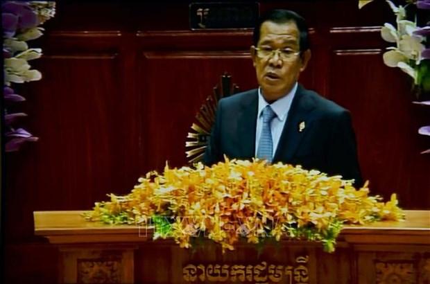 柬埔寨第六届国会通过新一届内阁成员名单 hinh anh 1