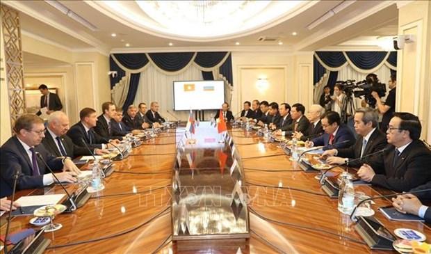 越共中央总书记阮富仲会见俄罗斯联邦委员会副主席 hinh anh 2