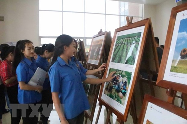 2018年东盟共同体纪录片和图片展在高平省举行 hinh anh 1
