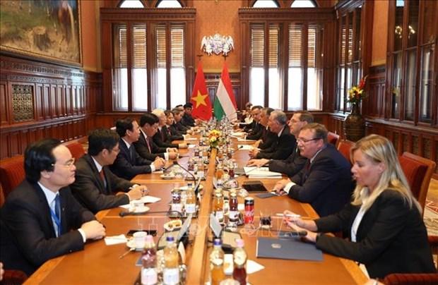 越共中央总书记阮富仲与匈牙利总理维克多·欧尔班举行会谈 提升越匈两国关系水平 hinh anh 2