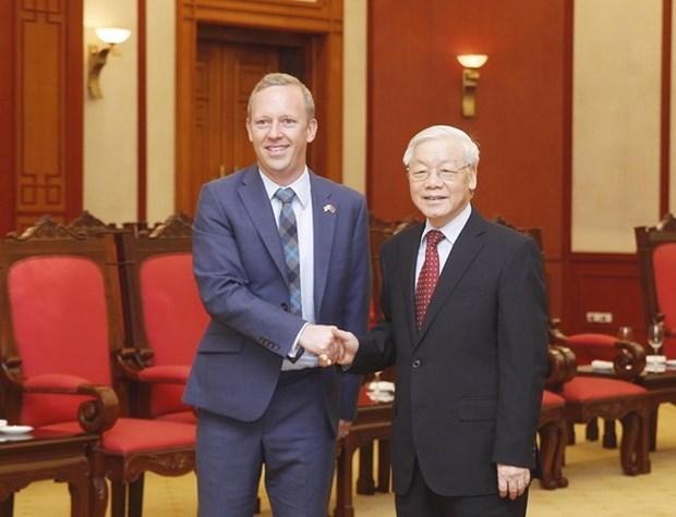 越南领导向英国领导致贺电 庆祝两国建交45周年 hinh anh 1