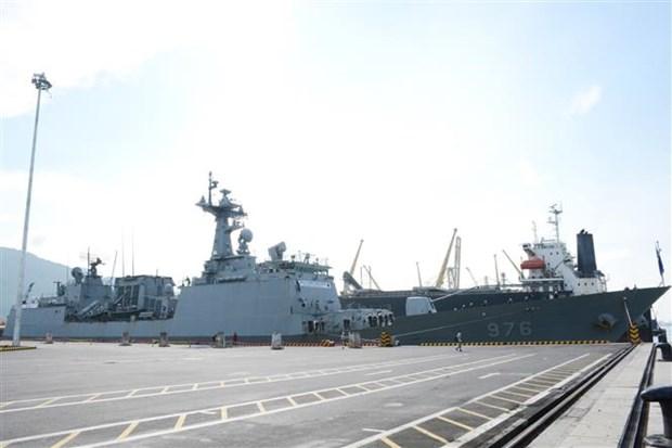 韩国海军舰艇访问岘港市 hinh anh 2