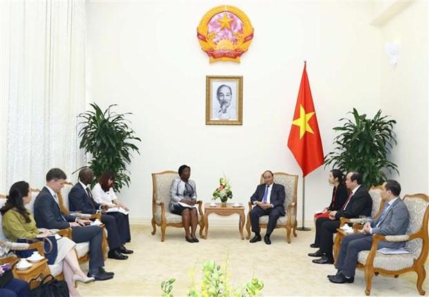 政府总理阮春福会见世行东亚与太平洋地区副行长维多利亚·克瓦 hinh anh 1