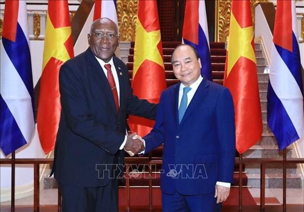越南政府总理阮春福会见古巴共和国国务委员会第一副主席兼第一副部长会议 hinh anh 1