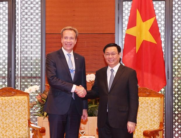 WEF ASEAN 2018: 建议WEF协助越南建设国家级创新中心 hinh anh 1