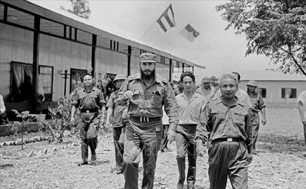 """古巴领袖菲德尔•卡斯特罗领袖访问越南45周年:友谊的""""明珠"""" hinh anh 1"""
