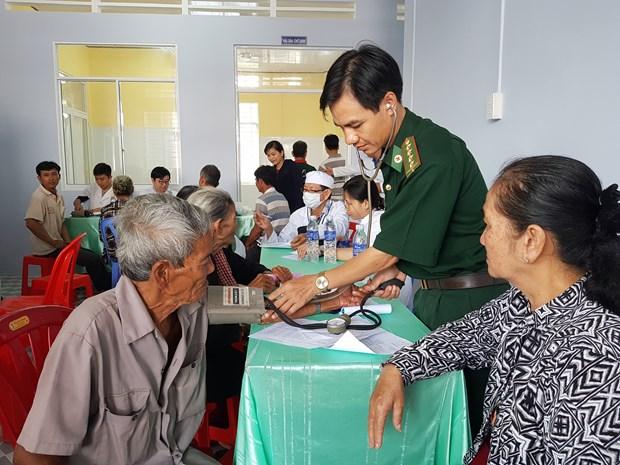 越南重视提高边境岛屿和山区医疗服务质量 hinh anh 1