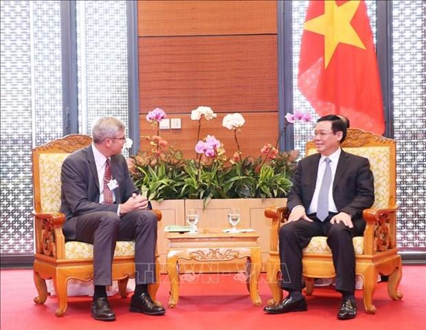 WEF ASEAN 2018:多家大型集团愿意支持越南满足数字经济标准 hinh anh 2