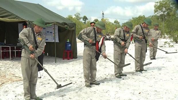 越南与韩国加强合作处理战后遗留地雷和爆炸物问题 hinh anh 1