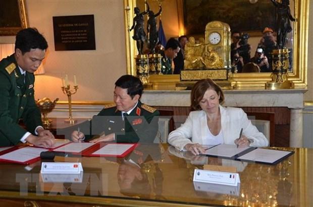 越南与法国签署防务合作联合愿景声明 hinh anh 1