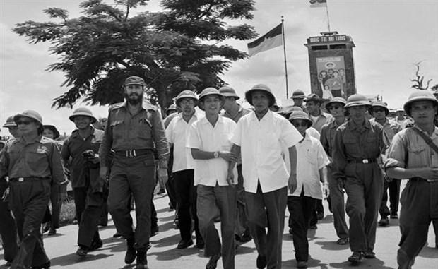 菲德尔•卡斯特罗访问越南南方解放区:远隔重洋的团结与友谊之象征 hinh anh 1