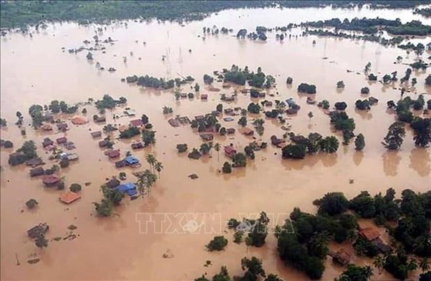 越南企业继续向老挝水电站溃坝事故灾民提供援助 hinh anh 1