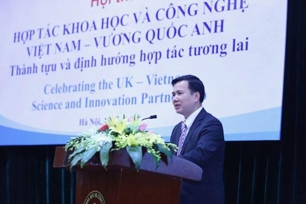 英国承诺优先同越南合作发展科学技术 hinh anh 1