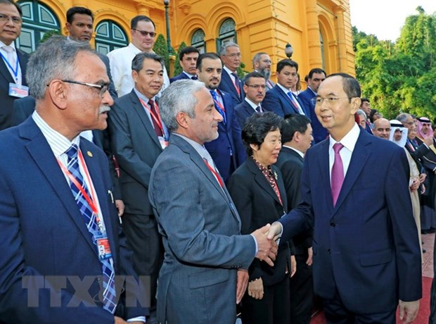 越南国家主席陈大光会见亚审组织各机构代表团团长 hinh anh 1
