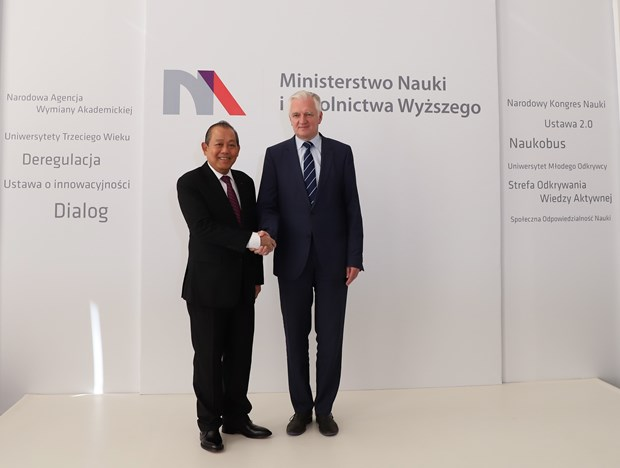 越南政府常务副总理张和平对波兰进行正式访问 hinh anh 2