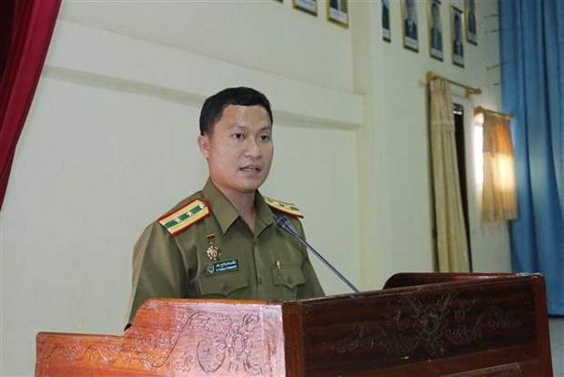 老挝公安部总政治局干部战士越语培训班正式开班 hinh anh 1
