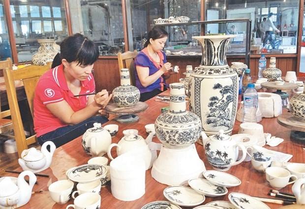 舟逗——越南传统陶器品牌努力走出国门 hinh anh 1