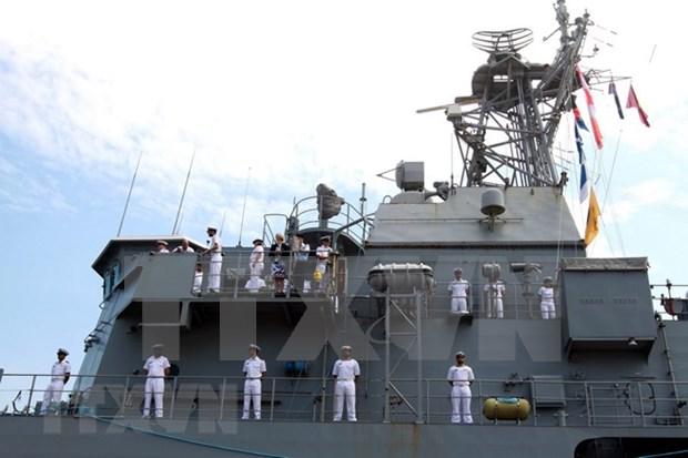 新西兰皇家海军护卫舰对越南进行友好访问 hinh anh 2