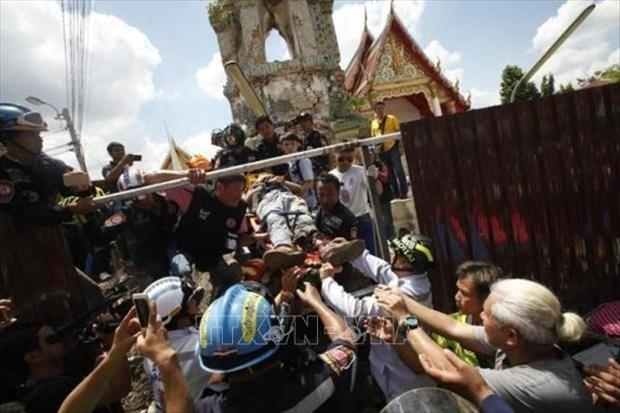 泰国古庙钟楼倒塌致12人伤亡 hinh anh 1