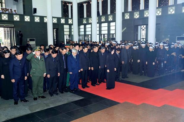 越南国家主席陈大光吊唁仪式隆重举行 hinh anh 4