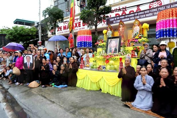 越南国家主席陈大光安葬仪式在其家乡宁平省举行 hinh anh 3