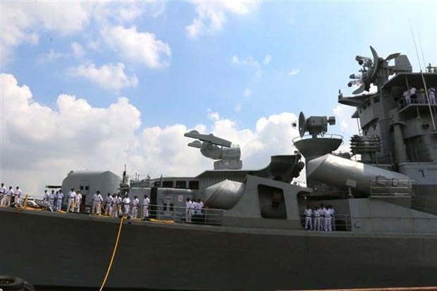印度海军驱逐舰访问越南 hinh anh 2