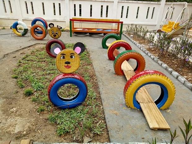 使用废旧物品为儿童们建设有趣娱乐场 hinh anh 2