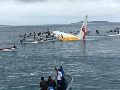 关于巴布亚新几内亚航空飞机坠海事故四名越南公民的进一步消息 hinh anh 1