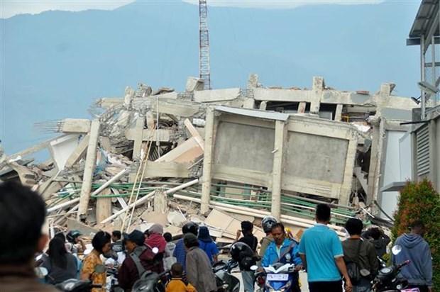 印尼地震和海啸:死亡人数超过1000人 hinh anh 1