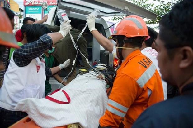 印尼地震和海啸:死亡人数超过1000人 hinh anh 2