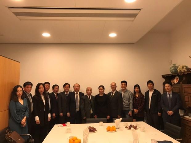越共中央宣教部工作代表团访问荷兰 了解该国传媒政策 hinh anh 2