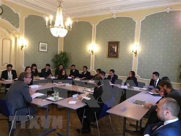 越南公安部代表团赴荷兰参加实施《联合国反酷刑公约》培训班 hinh anh 1