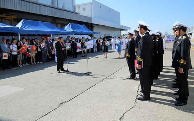 越南海军护卫舰抵达日本大阪府堺市港口 hinh anh 1