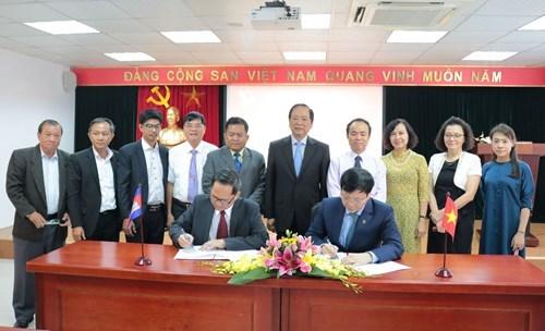 越南新闻工作者协会和柬埔寨记者协会加强交流 寻求合作机遇 hinh anh 2