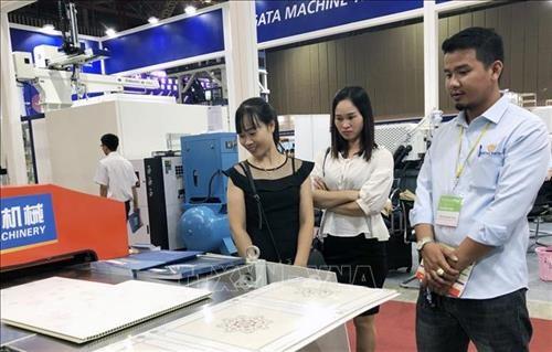 2018年越南塑料与橡胶国际展览会正式开幕 hinh anh 1