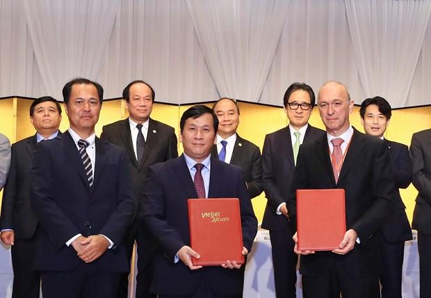 越捷与日本三菱UFJ公司签署购置飞机财务协议 hinh anh 1