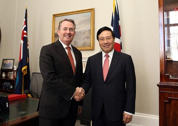 范平明与英国领导会晤 出席越英企业论坛 hinh anh 2