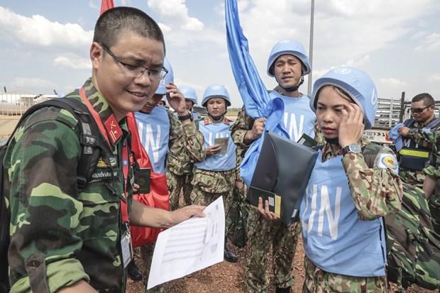 越南国防部派遣干部代表团协助一号二级野战医院 hinh anh 1