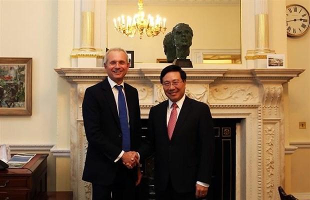范平明与英国领导会晤 出席越英企业论坛 hinh anh 1