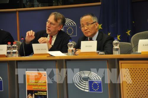 欧洲议会国际贸易委员会举行《越南与欧盟自由贸易协定》听证会 hinh anh 2