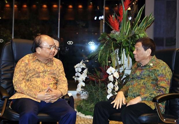 越南政府总理阮春福会见菲律宾总统杜特尔特 hinh anh 1