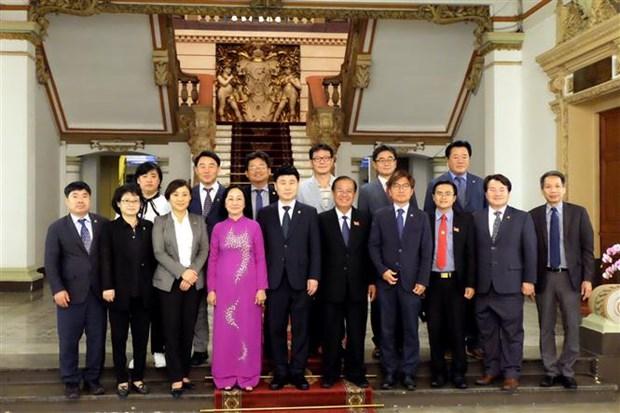 胡志明市人民议会与韩国京畿道省议会深化交流与合作 hinh anh 2