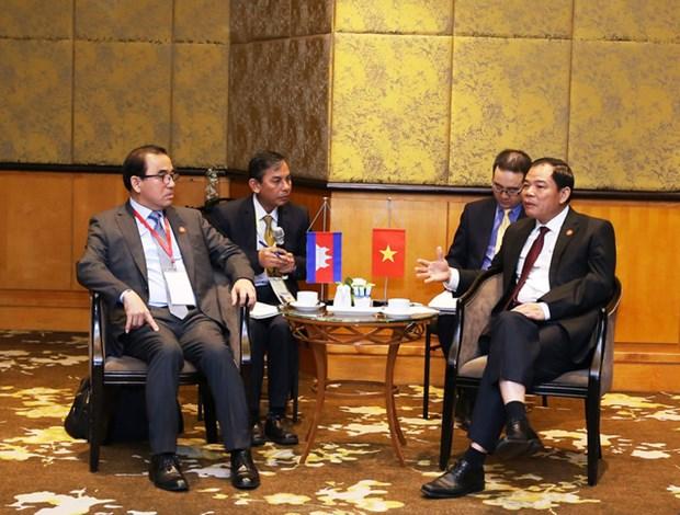 越南与柬埔寨加强农林渔业的合作 hinh anh 1