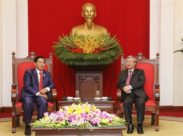 着力加强老挝首都万象与越南各地的合作 hinh anh 2
