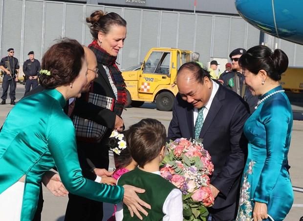 越南政府总理阮春福抵达维也纳开始对奥地利进行正式访问 hinh anh 2
