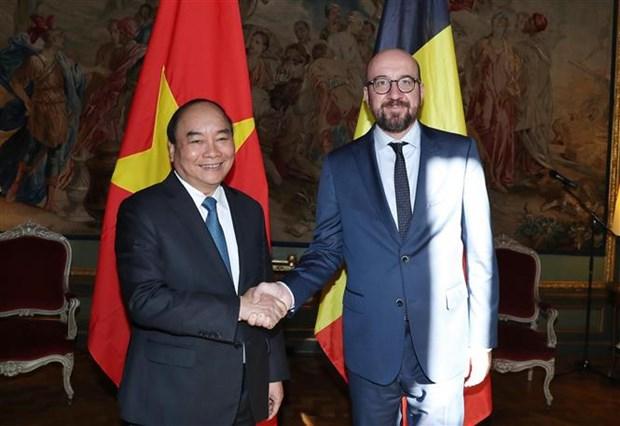 越南政府总理阮春福同比利时首相夏尔·米歇尔举行会谈 hinh anh 1