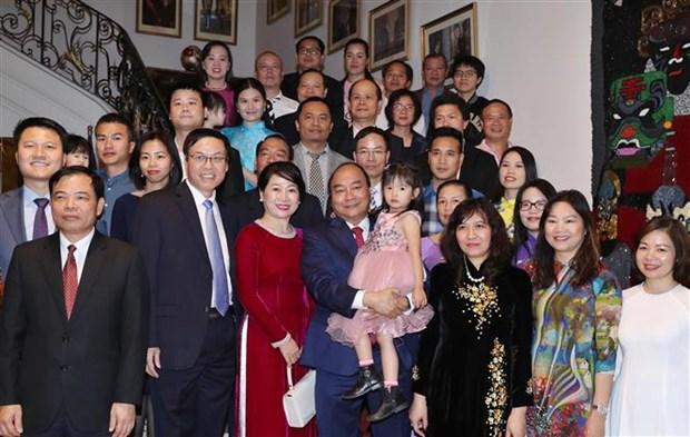 阮春福总理:希望旅比越侨弘扬传统文化 关注越侨后代学越南语 hinh anh 1