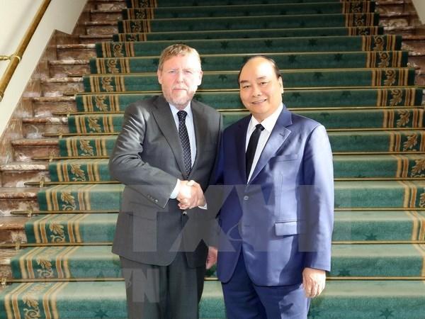 越南政府总理阮春福会见比利时众议院议长西格弗里特·布拉克 hinh anh 1